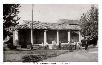 Lavoir (R. du Gard)