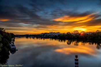 Avignon au petit matin (14/04/2016) photo avec léger traitement HDR