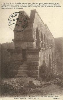 Extrémité du PONT DU GARD; - Escalier donnant accès dans l'Aqueduc (1885)