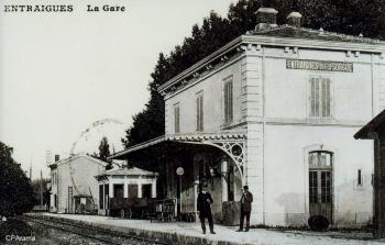 Entraigues sur la Sorgue (Vaucluse) - Intérieur de la gare.