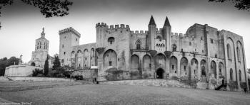 Panorama palais des papes (noir & blanc)